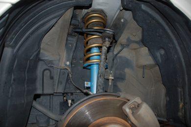 トヨタ アルテッツァのサスペンションとショックアブソーバーを交換しました